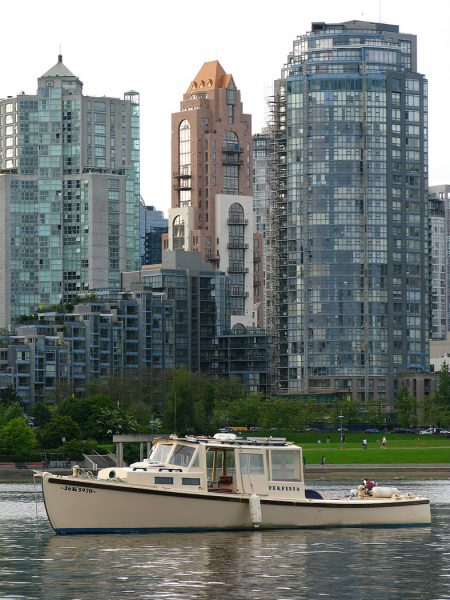 Lincoln Clarkes Photographs: False Creek, Yaletown, Vancouver 2008