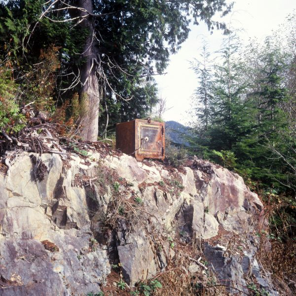 Lincoln Clarkes Photographs: Wild west safe, Tofino, British Columbia 2006