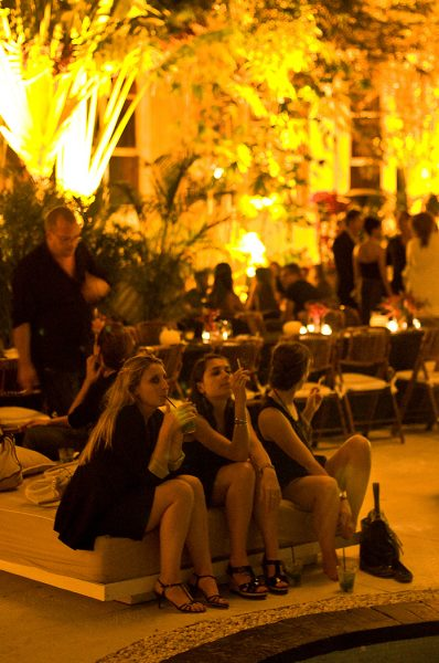 Lincoln Clarkes Photographs: Pool party, Raleigh Hotel, Miami 2009
