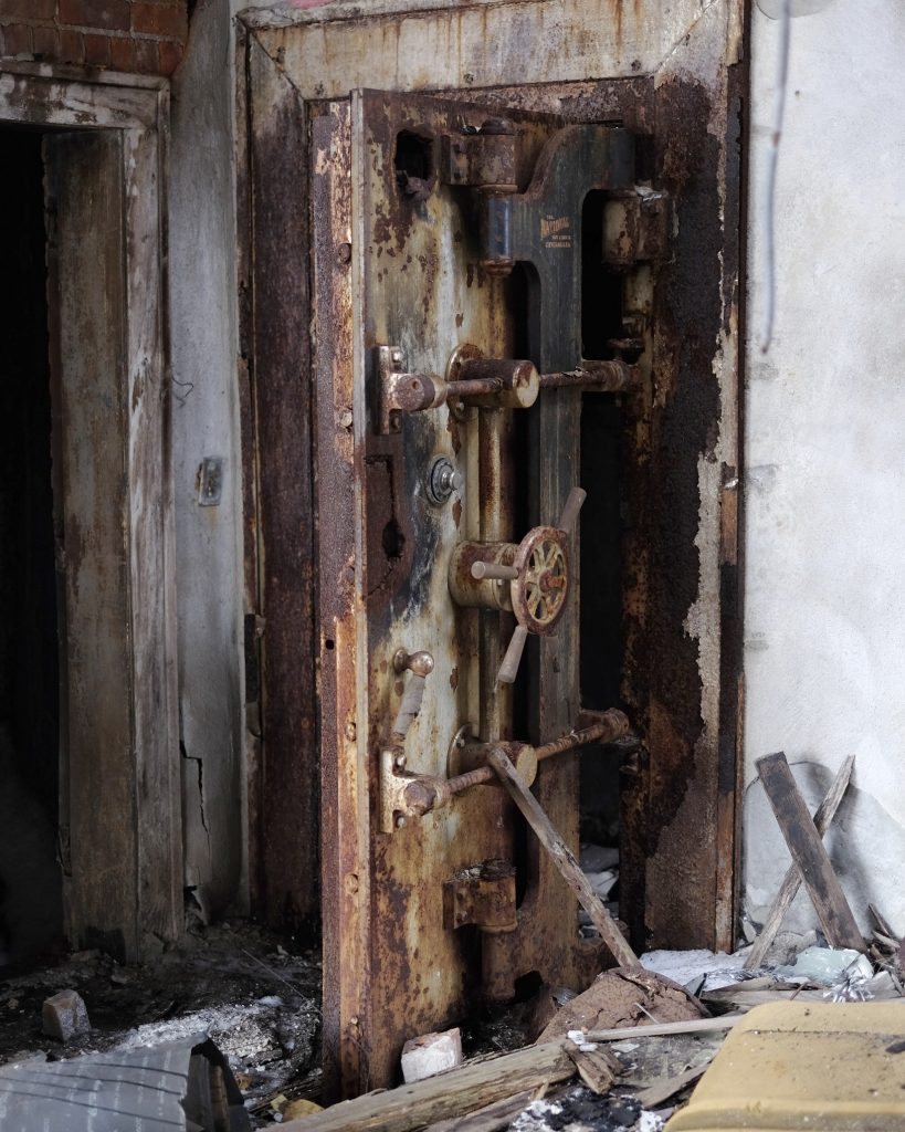Lincoln Clarkes Photographs: Vault, Detroit 2014